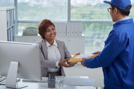 delivering-package-U52U8TW